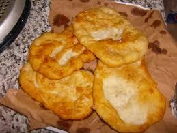 focaccette di farina fritte