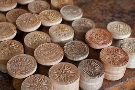 Serie di stampi per corzetti in legno